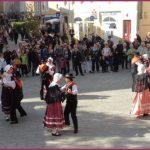 Danse_folklorique_compressee.jpg